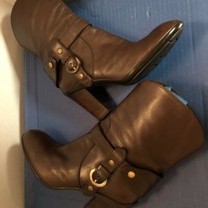 Hogan Leather WM's Boots w/Gold Hardware Size 8.5